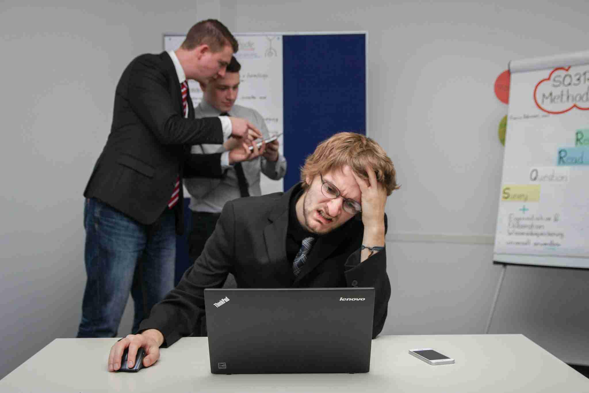 6 Ways to Prevent Computer Eye Strain at Work